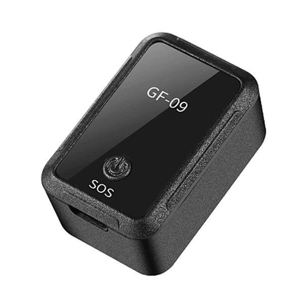 Micro mouchard et tracker GPS pour véhicule et personne en temps réel